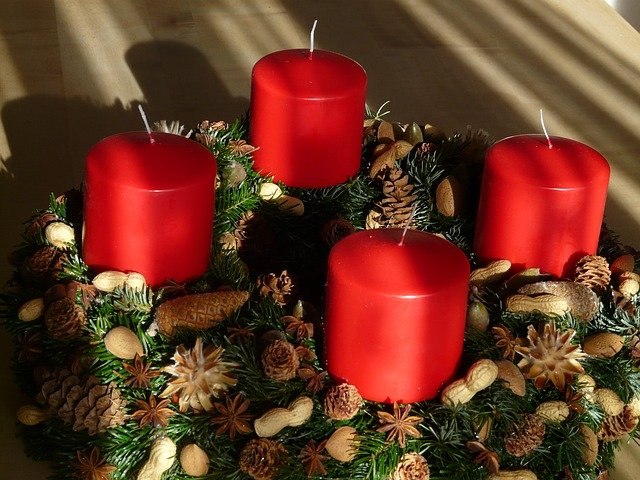 Výroba vánočního věnce, bez návštěvy obchodu